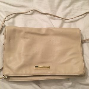 Cream crossbody with removable strap